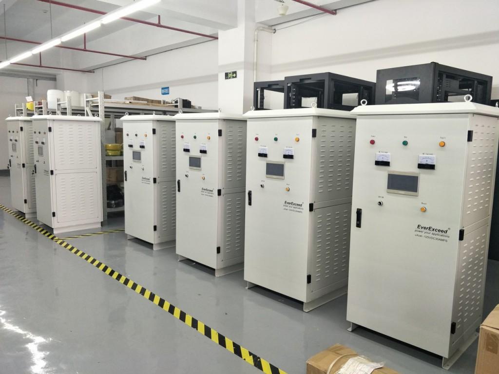 Промышленные зарядные устройства EverExceed uXcel установленные в разных странах мира