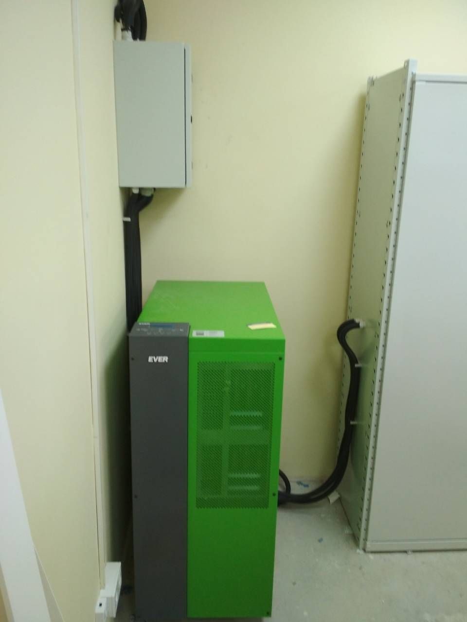 ИБП Ever Powerline Green lite 60-33 (Польша, Познань)